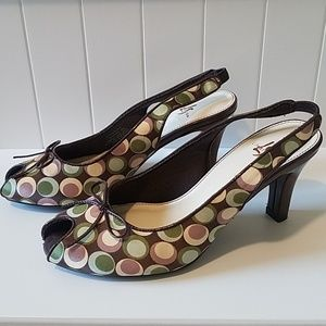 Brown heels with multicolored dots